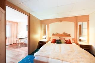 Hôtel à Loèche-les-Bains situé au centre, à 2 minutes des bains (2)