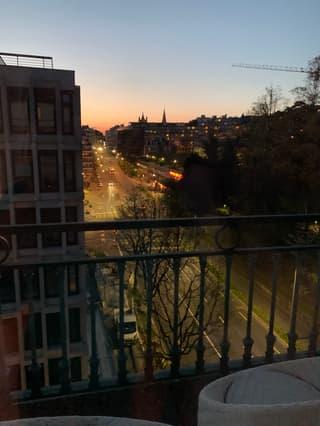 Appartement très lumineux, calme, 5 min à pied du centre-ville et transport public devant la porte (4)