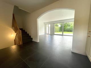 Villa contiguë de 125m2 avec 4 chambres entièrement rénovée (2)