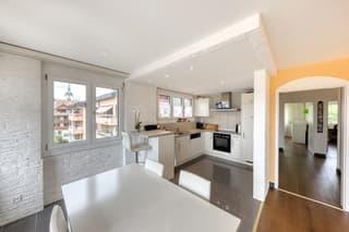 Renovierte 3.5-Zimmerwohnung mit Aussicht! (2)