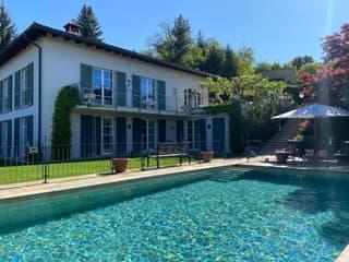 Vivere immersi nella natura! Magnifica villa immersa nel verde, piscina e vista panoramica! (2)