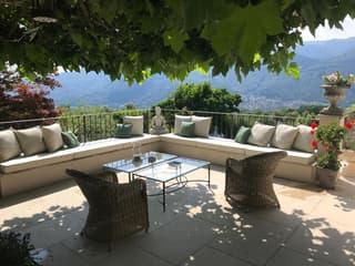 Vivere immersi nella natura! Magnifica villa immersa nel verde, piscina e vista panoramica! (3)
