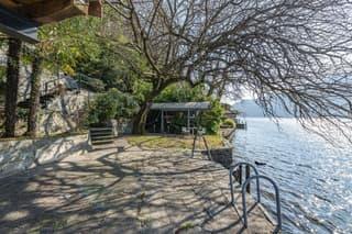 Gioiello architettonico di Mario Botta con terreno a lago (4)