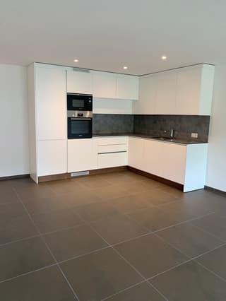 Luxuriöse 2 1/2 Zimmer Garten-Wohnung mit eigenem Waschturm (4)