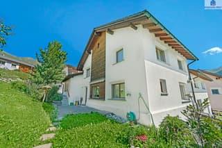 Einfamilienhaus mit Garten und viel Nebenfläche - Erstwohnung (2)