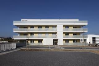 Schöne, helle Wohnung im Eigentums-Standard (2)