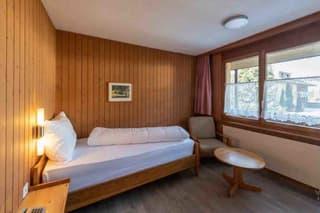 Möbelierte Zimmer an ruhiger und doch an zentraler Lage zu vermieten (3)