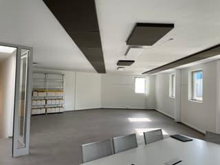 Helles Büro zu vermieten (2)