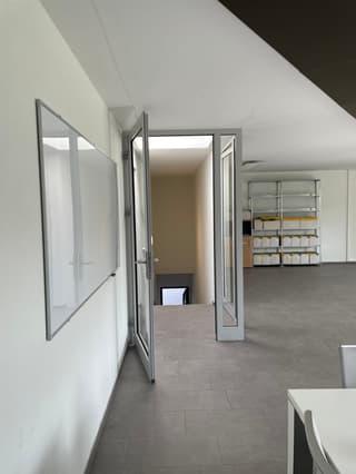 Helles Büro zu vermieten (3)