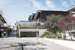 Nuove case a schiera con giardino e ampi locali (2)