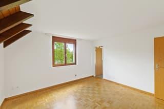 Helle und ruhige 4.5-Zimmer-Maisonettewohnung mit Aussicht (4)