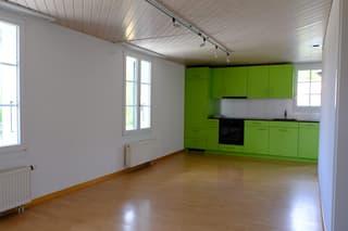 Gemütliche 3-Zimmerwohnung oder Büro im 1 Obergschoss (4)
