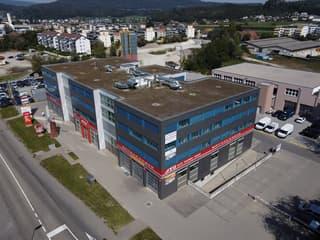 Attraktive Büroräumlichkeiten beim Autobahn-Kreuz-Oftringen (2)