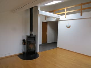 Joli appartement à Prêles (2)