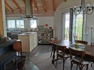 Sonnige und grosszügige Maisonette-Wohnung in Liechtenstein (2)