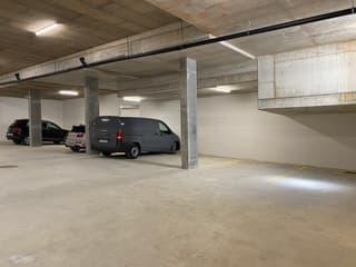Private Tiefgarage  Maximale Einfahrtshöhe 2.30 (2)