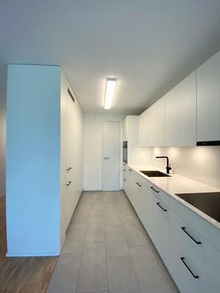 Erstbezug von 3.5 Zimmer Wohnung nach Erneuerung (3)
