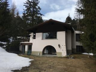 Zu verkaufen gemütliches Ferienhaus an exklusiver Lage in Davos (3)