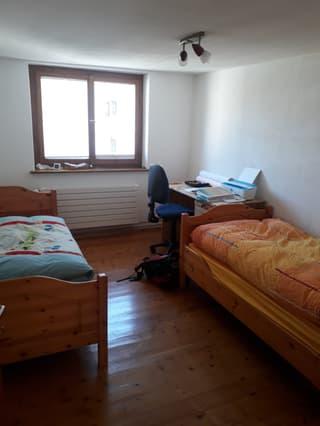 tolle und zentrale Wohnung in Andeer (4)