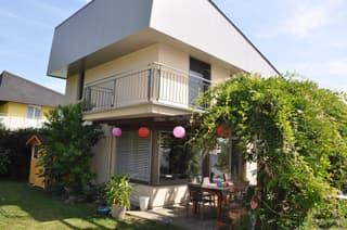 Freistehendes Einfamilienhaus mit schönem Garten an perfekter Lage (4)