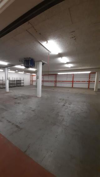 Gewerbehalle und Büros zu vermieten (3)