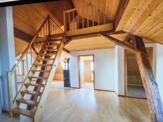 Ruhige und heimelige Dachwohnung (2)