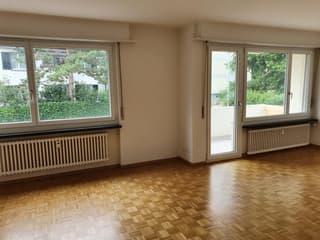 Helle 2.5-Zimmerwohnung mit Balkon (3)