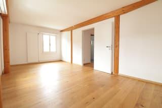 Zentrales Einfamilienhaus mit Gartensitzplatz und Sauna (2)