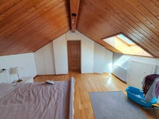 Appartement de 5 pièces à louer dans petit immeuble (2)