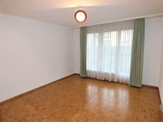 Helle 4.5-Zimmer-Wohnung in ruhiger Lager (4)