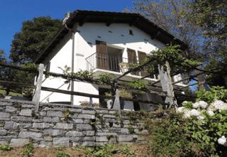 Tessiner Haus in Mergugno/Brissago mit einmaliger Seesicht (2)