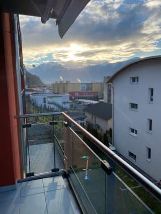 Sehr Gepflegte moderne 1,5 Zi mit grossem Balkon (Zweitwohnsitz moeglich)) (3)