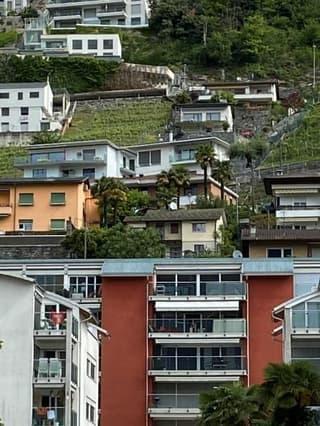 Sehr Gepflegte moderne 1,5 Zi mit grossem Balkon (Zweitwohnsitz moeglich)) (2)