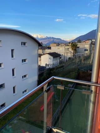 Sehr Gepflegte moderne 1,5 Zi mit grossem Balkon (Zweitwohnsitz moeglich)) (4)
