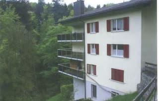 3,5-Zimmer-Wohnung mit schattiger Terrasse und kleinem Garten (2)