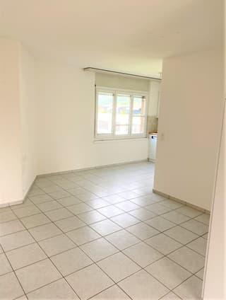Top 3.5 Zimmer Wohnung per sofort (3)