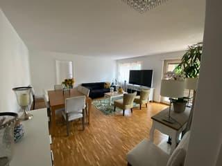 Grossizügige ,Zentrale 2-Zimmerwohnung in glattbrugg (2)