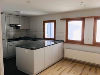 7 1/2 Zi Wohnung mit Innenhof und grosser Garage per 1.10.2021 zu vermieten (2)