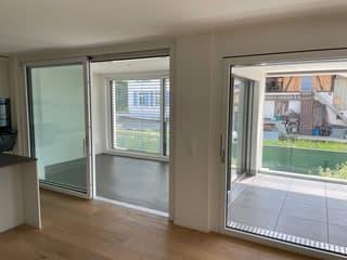 Helle und moderne 4,5 Zimmer-Wohnung in Therwil (2)