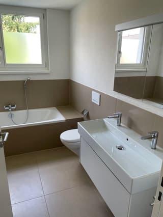 Helle und moderne 4,5 Zimmer-Wohnung in Therwil (4)