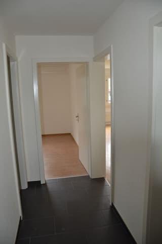 Helle 2.5 Zimmerwohnung mit separatem Abstellraum (3)