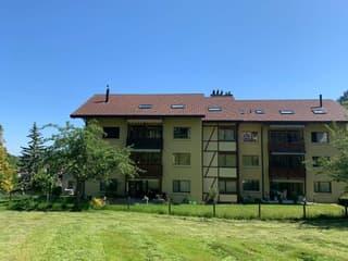 Mit Blick ins Grüne: Eine Wohnung mit bezaubernder Aussicht (2)
