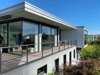 Exklusive, moderne Villa mit Pool und Aussicht (2)
