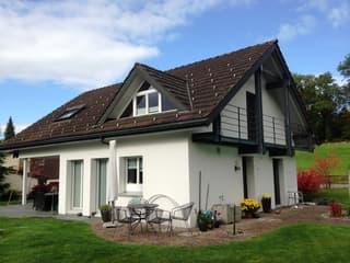 Einfamilienhaus mit grossem Garten in Wolfhausen (2)