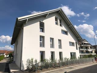Splendide logement de 3,5 pièces au 1er étage avec balcon (3)