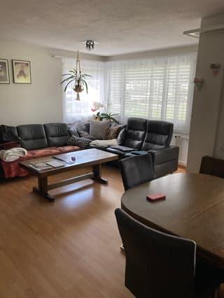 grosszügige 4.5-Zi-Wohnung mit 2 Balkonen (bei Interesse mit Hauswartamt) (2)