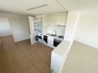 Helle Wohnung an gut angeschlossener Lage (4)