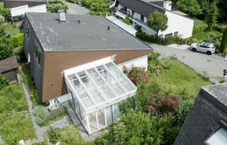 Alleinstehendes 8 1/2 Zimmer Einfamilienhaus in Langnau am Albis (2)
