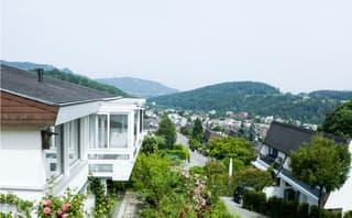 Alleinstehendes 8 1/2 Zimmer Einfamilienhaus in Langnau am Albis (3)