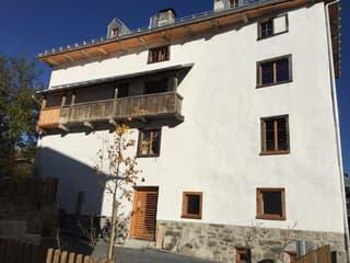 Sonnige 3-Zimmer-Wohnung mit Aussicht im Dorfkern von Valendas (3)